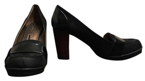 Kenneth Cole Black Suede Pumps