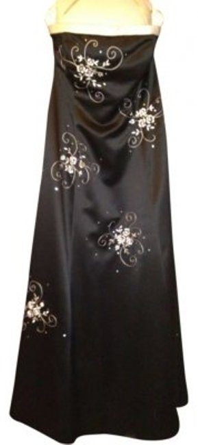 Item - Black and White By Style# 14324 Long Formal Dress Size 14 (L)