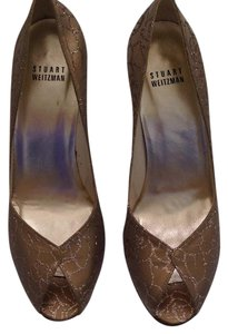 Stuart Weitzman Classy Shimmer Comfortable Gold with Glitter Accents Formal