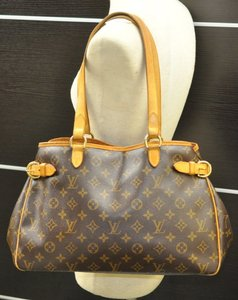 Louis Vuitton Chanel Balmain Saint Leaurent Goyard Balenciaga Shoulder Bag