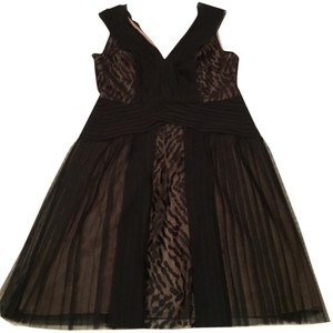 BCBGMAXAZRIA Night Out Wedding Party Lace Tulle Fancy Chic Pleated Dress