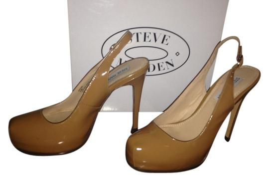 Steve Madden Staciee Nude Leather Tan Patent Pumps