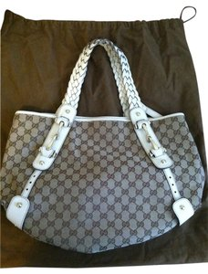 Gucci Satchel in Beige/White