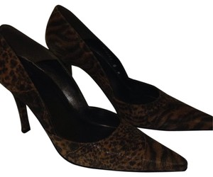 Stuart Weitzman Sexy Leopard Print Comfortable Multi Safari Brown & Black Pumps