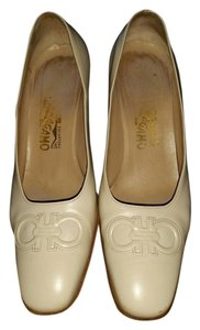 Salvatore Ferragamo Beige, light Pumps