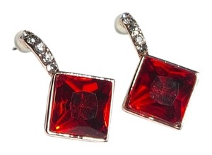 Red Square Crystal Gold Tone Dangle Earrings J2026