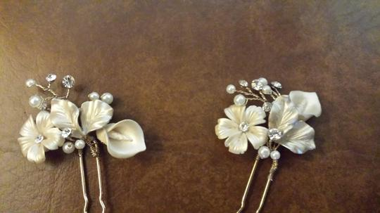 BHLDN Pearl Ivory Gold and Crystal Petite Flora (2) Hairpins Hair Accessory Image 1