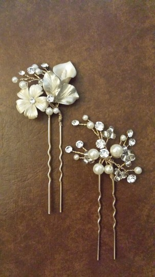 BHLDN Pearl Ivory Gold and Crystal Petite Flora (2) Hairpins Hair Accessory Image 3