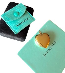Tiffany & Co. TIFFANY & CO 18K GOLD HEART LOCKET CHARM LARGE
