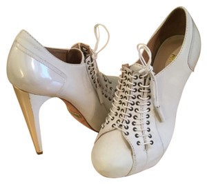 L.A.M.B. Cream White & Gold Heels Platforms