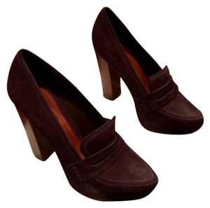 SCHUTZ Chocolate Platforms