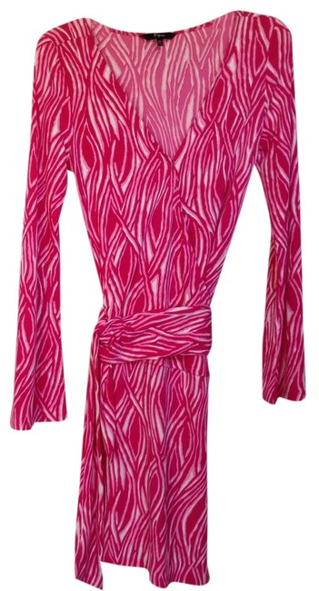 Preload https://item3.tradesy.com/images/express-dress-dark-pink-and-white-1222157-0-0.jpg?width=400&height=650