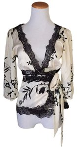 bebe Top Cream/ black