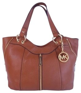 aeeabf6de54a Michael Kors Moxley Pebbled Leather Shoulder Handbag Brown Tote in Luggage