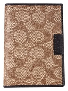 Coach * COACH HERITAGE SIGNATURE PASSPORT CASE KHAKI/BROWN