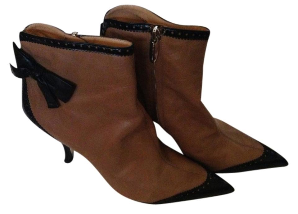 Sergio Brown Rossi Tan and Black Brown Sergio Bow 40 Leather Boots/Booties df8e24