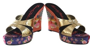 Beverly Feldman Multicolor with gold straps Wedges