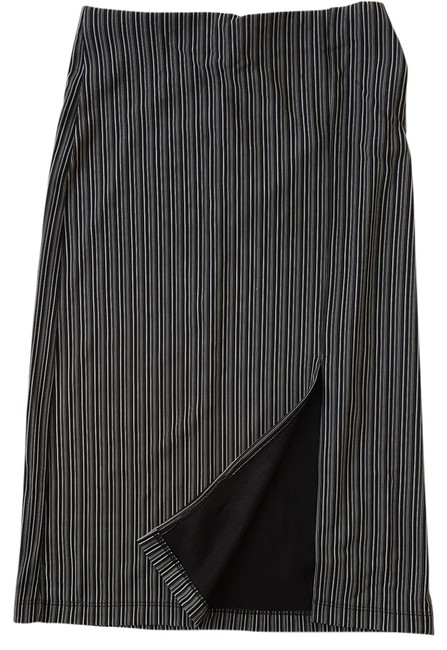 Item - Black and White Stretch Front Slit Skirt Size 6 (S, 28)