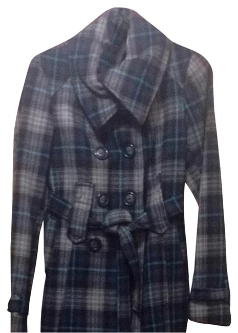 Preload https://item5.tradesy.com/images/navy-plaid-size-4-s-1223159-0-4.jpg?width=400&height=650