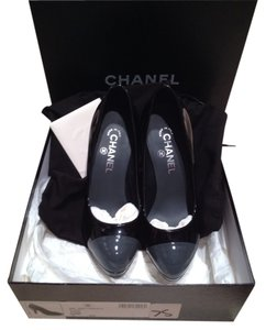 Chanel Black/Grey Pumps