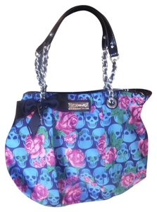 Betsey Johnson Skulls Roses Chain Betsey Shoulder Bag