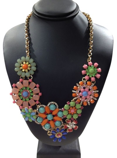 Preload https://item5.tradesy.com/images/charming-charlie-multicolor-floral-necklace-1223454-0-0.jpg?width=440&height=440