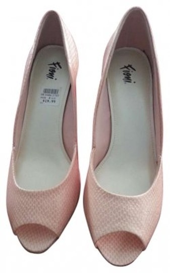 Preload https://item1.tradesy.com/images/pink-pumps-size-us-85-122350-0-0.jpg?width=440&height=440