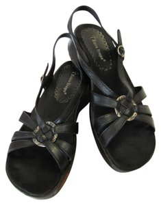Bare Traps Size 8.50 M (Usa) Leather Very Good Condition Black Sandals