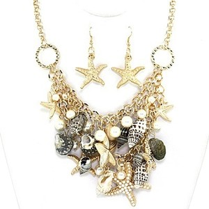 Seaworld Sealife Seashell Starfish Charms Gold Tone Necklace And Earring