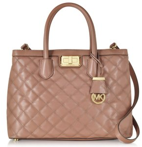 Michael Kors Hannah Large Quilted Leather Crossbody 889154506763 Satchel in Dusty Rose