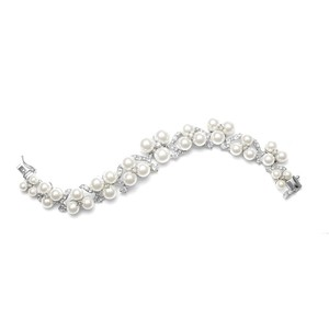 Silver/Rhodium Stunning Luxe Pearls Crystals Bracelet