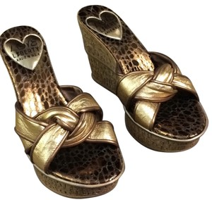 Love and Liberty Gold and bronze Wedges