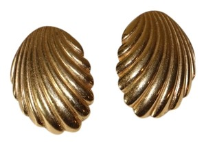 Napier YELLOW GOLD NAPIER SHELL EARRING