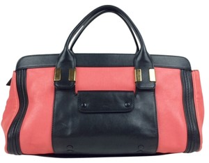 Chloé Leather Chloe Black Satchel in BLACK/PINK
