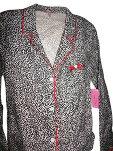 Juicy Couture Button Down Shirt Intimate Flannel Sleep shirt Cheetah Print