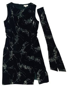 Giorgio Armani Sleeveless Sheath With Matching Scarf Made In Italy Size 8 With And 70% Viscose/rayon And 30% Poly 100% Cupro 3-4 Dress