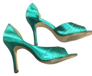 Touch Ups Jade Pumps