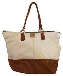 Dooney & Bourke Leather Classic Preppy Spring Summer Tote in White & Tan