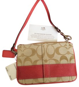 Coach Wristlet in Khaki/Papaya