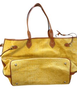 Pepe Moll Tote in Yellow