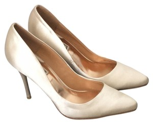 Badgley Mischka Bride Cream beige tan Pumps