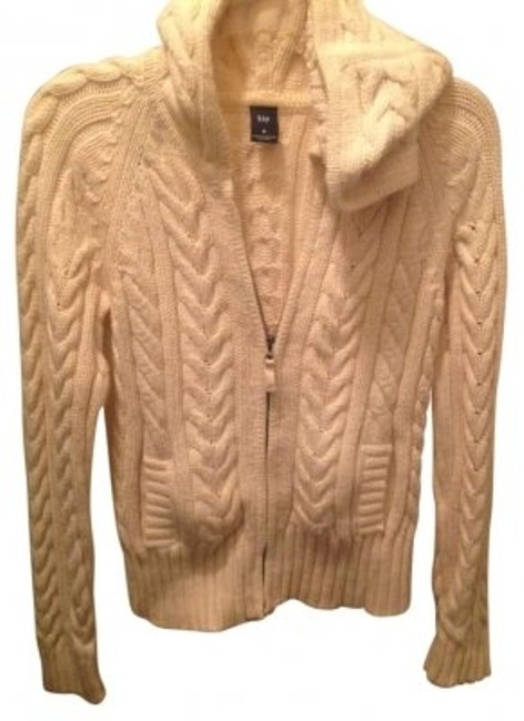 Preload https://img-static.tradesy.com/item/122569/gap-cream-cable-knit-jacket-sweaterpullover-size-8-m-0-0-650-650.jpg