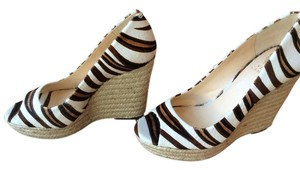 Vince Camuto Cow Hair Cow Hair Creme, Brown, Natural Fiber Wedges