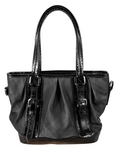 Burberry Buckles Inside Pockets Tote in Black