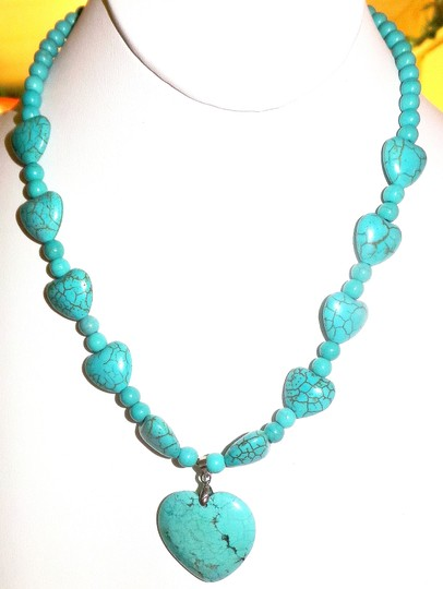 Other Valentine Howlite Turquoise Heart Shapes Necklace