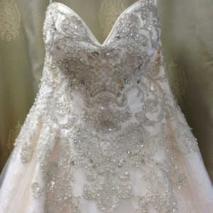 Ivory Over Light Gold Lace and Tulle Traditional Wedding Dress Size 10 (M)