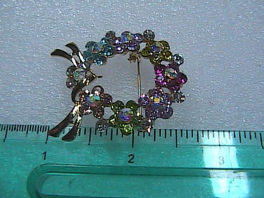 Unknown Rhinestone Crystal Wreath Brooch Image 2