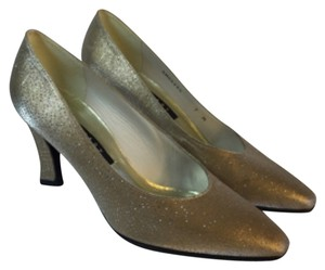 Stuart Weitzman Glitter Mother Of The Bride Bridal Bridesmaids Formal gold Pumps