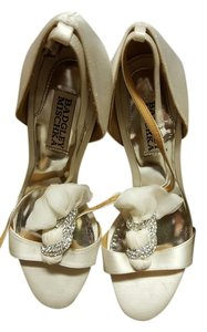 Badgley Mischka Bride Wedding Heels Ivory Sandals