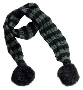 Louis Vuitton Beaver fur knit scarf